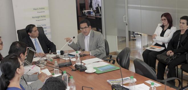 Académicos participan en construcción del proyecto de Código Administrativo