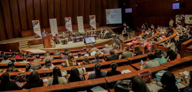 Parto humanizado es materia de análisis en foro de la Asamblea Nacional