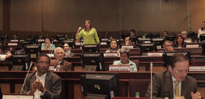 Asamblea aprobó ley que protege el trabajo y promueve el empleo juvenil