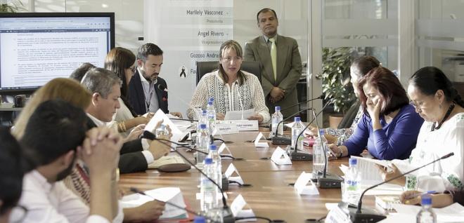 Comisión retoma tratamiento de reformas a leyes que rigen al sector público