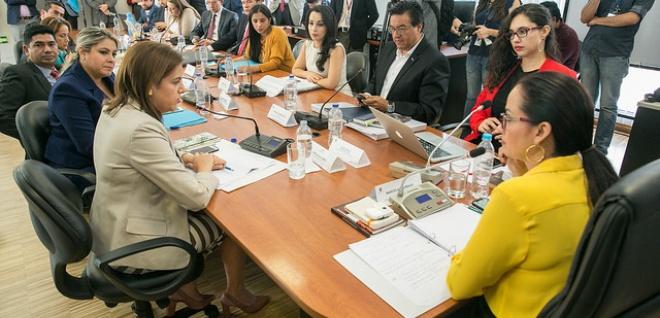 Con el Fiscal y la Ministra del Interior, Comisión de Justicia