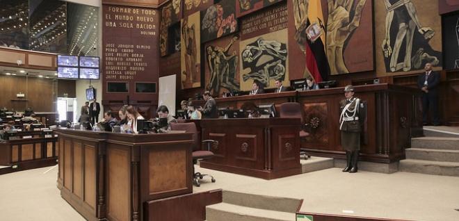 Legisladores destacan necesidad de garantizar estabilidad laboral