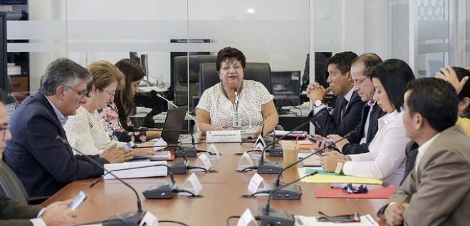 Comisión de Trabajadores recibe criterios acerca de los contratos ocasionales
