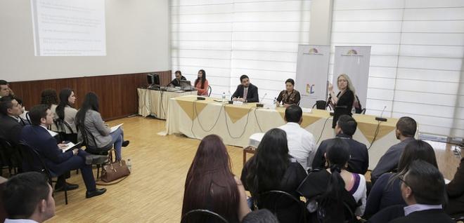 Asamblea capacita a funcionarios sobre proyecto de violencia de género contra la mujer