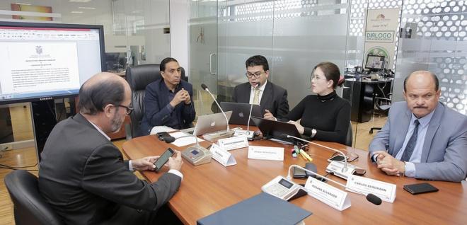 Proyecto de Código de Comercio con informe para segundo debate