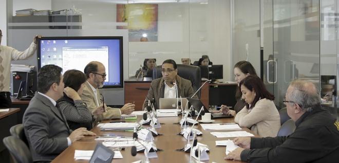 Comisión de Régimen Económico alista documento final para votación de EPS