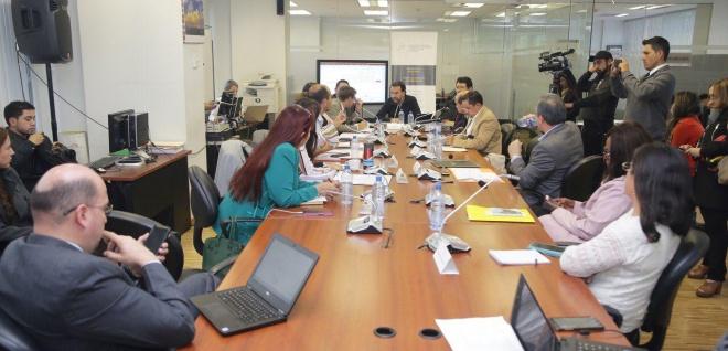 Régimen Económico sugerirá al Pleno ratifique el texto de 22 artículos del Código de Comercio