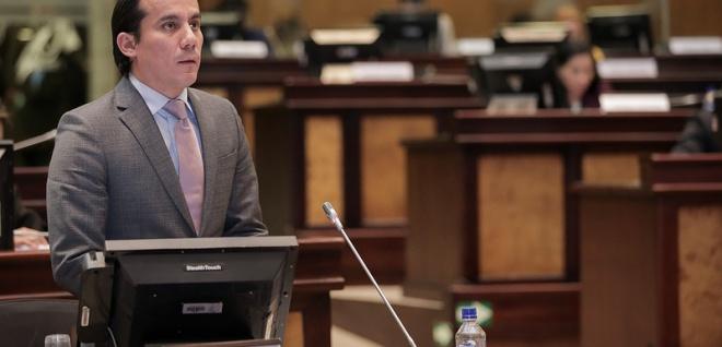 La Comisión de Soberanía Alimentaria, presidida por el asambleísta Ricardo Zamrano, preparó el informe sobre la objeción al proyecto de Ley de Sanidad Agropecuaria. Foto - Archivo