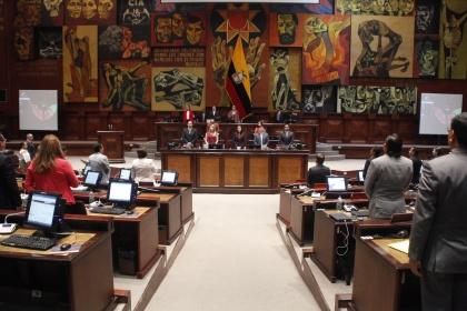 Asamblea exhorta a la comunidad internacional solución pacífica de conflicto en Siria