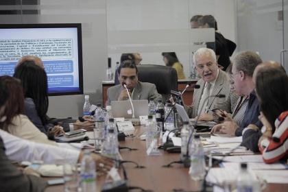 Fiscal sugiere que la UAF esté adscrita al Ministerio de Finanzas