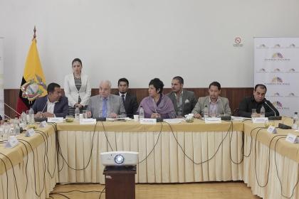 Comisión de Fiscalización recibió del Fiscal informe sobre denuncias de corrupción