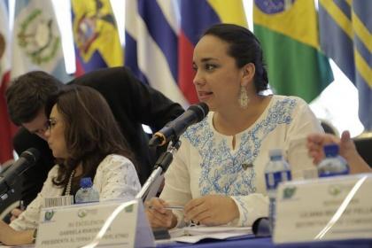 Parlamentarios y ex parlamentarios se reúnen en Quito por la integración regional