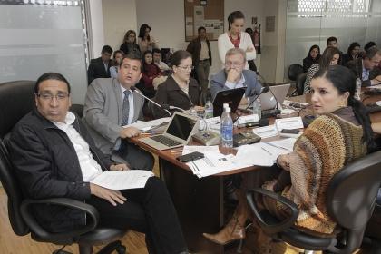 Recaudación de impuesto a herencias irá a becas para pueblos originarios del Ecuador