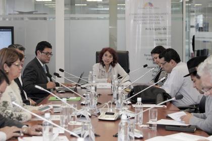 Ecuador propone condenar prácticas de cyber espionaje masivo: María Augusta Calle