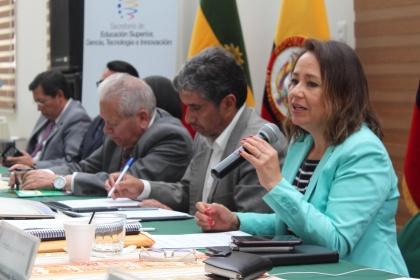 Mgs. Daniel Suárez, Coordinador zonal 1 y2 Senescyt; Hugo Ruiz, rector UPEC, Liliana Montenegro; Ximena Ponce