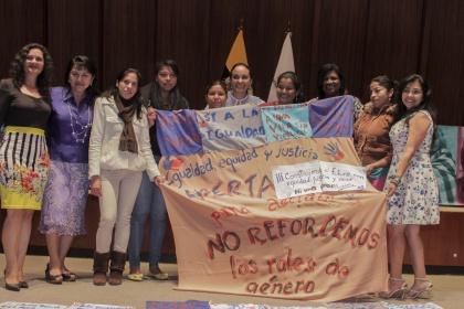 """Asamblea presenta campaña """"Tejiendo mis Derechos"""" contra la violencia de género"""