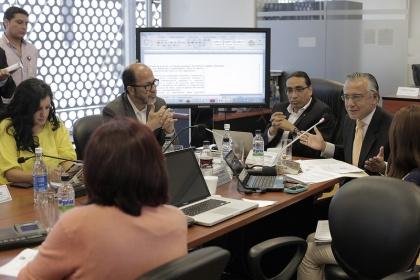 La Comisión de Régimen Ecónomico y el secretario Jurídico de la Presidencia e la República analizan el proyecto de reformas a la Ley de Prevención, Detección y Erradicación del Lavado de Activos y del Financiamiento del Delito