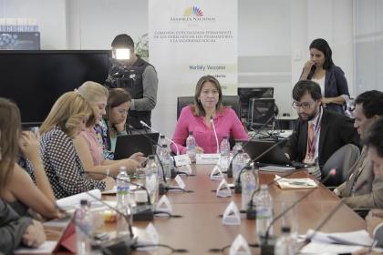 Ministerio de Educación hace observaciones a las modalidades de contrato