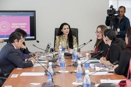 Tema de violencia psicológica centró interés en la Comisión de Justicia