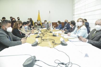 Comisión analiza con autoridades de Gobierno denuncia de atentado informático a CNT