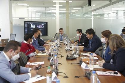 Instituciones públicas y privadas explican implementación de sistemas de seguridad para prevenir delitos informáticos