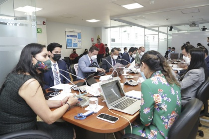 Comisión de Régimen Económico analiza el informe para segundo debate del proyecto que busca evitar abusos del sistema financiero