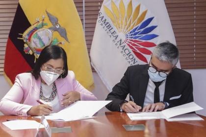 Asamblea Nacional y Fundación Esquel firman convenio para fortalecer el liderazgo de las mujeres asambleístas