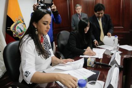 Arcotel adjudicó frecuencia del canal 42 Quito para TVL y de Íntag para La Radio