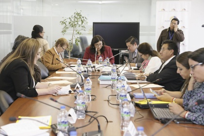 Comisisón Aampetra, linsto informe sobre conrol político al Ministerio de Salud