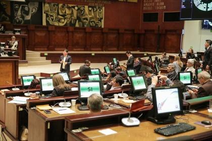 sesión del Pleno 534, resolución,  anulación de condecoraciones,