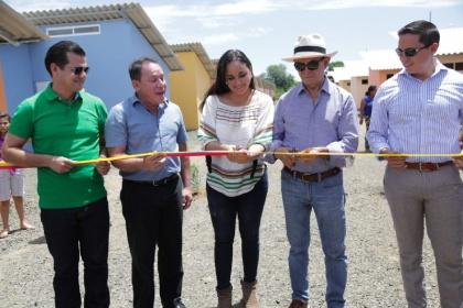 Presidenta de Asamblea entrega 25 viviendas producto de Ayudatón por Reconstrucción