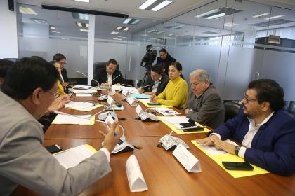 Comisión ocasional que vigila el cumplimiento de las obligaciones del Estado con los jubilados, comparecencia de autoridades,