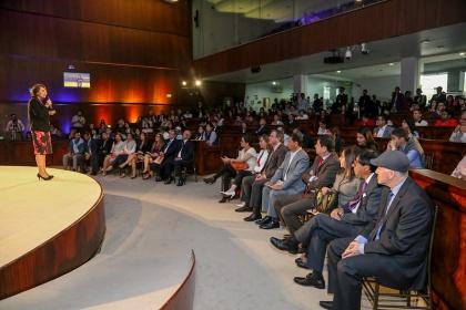 Asamblea abrió espacio de diálogo para reflexionar sobre los 40 años de retorno a la democracia
