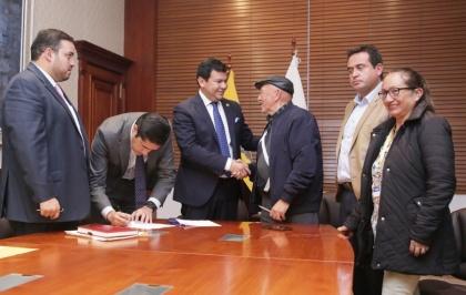 Maestros jubilados se beneficiarán con el pago de incentivos a partir del acuerdo entre el Ejecutivo y Legislativo.