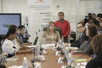 Comisión de los Trabajadores recibe nuevos aportes a proyecto que regula los feriados