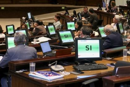 Pleno amplía plazo para entrega de informe de las publicaciones de Mil Hojas y La Fuente