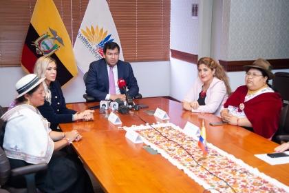 Presidente de la Asamblea Nacional reitera apoyo en materia de equidad de género en reformas al Código de la Democracia