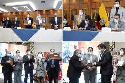 """Acto formal de suscripción del Acuerdo de Pago, entre el Gobierno Nacional y la Coordinadora de Maestros Jubilados del Ecuador """"Alfonso Yánez Montero,"""