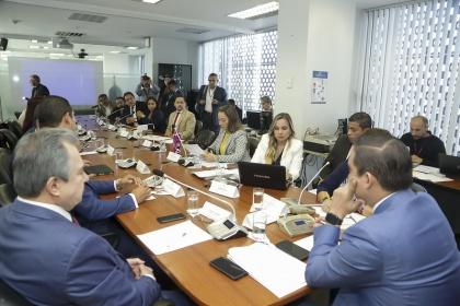 Parlamentarios exigen priorización de obras de reconstrucción y reactivación económica para las provincias de Manabí y Esmeraldas