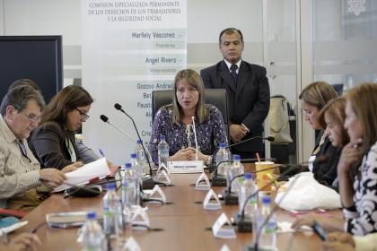 Comisión de los Trabajadores, Reformas a las leyes que rigen el sector público,