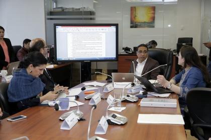 Régimen Económico iniciará estudio de proyecto para eficiencia de trámites